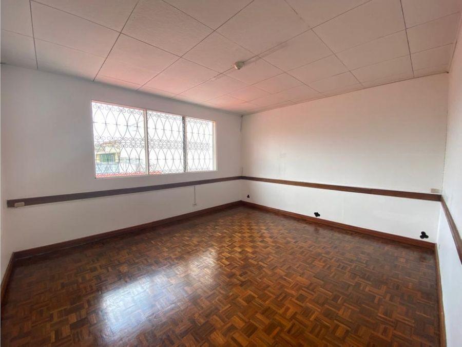 casa en sabana muy amplia ideal para oficinas a1134