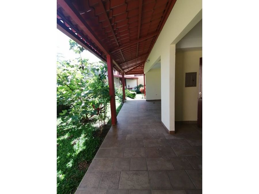casa en rohrmoser amplia jardin con terraza a1151