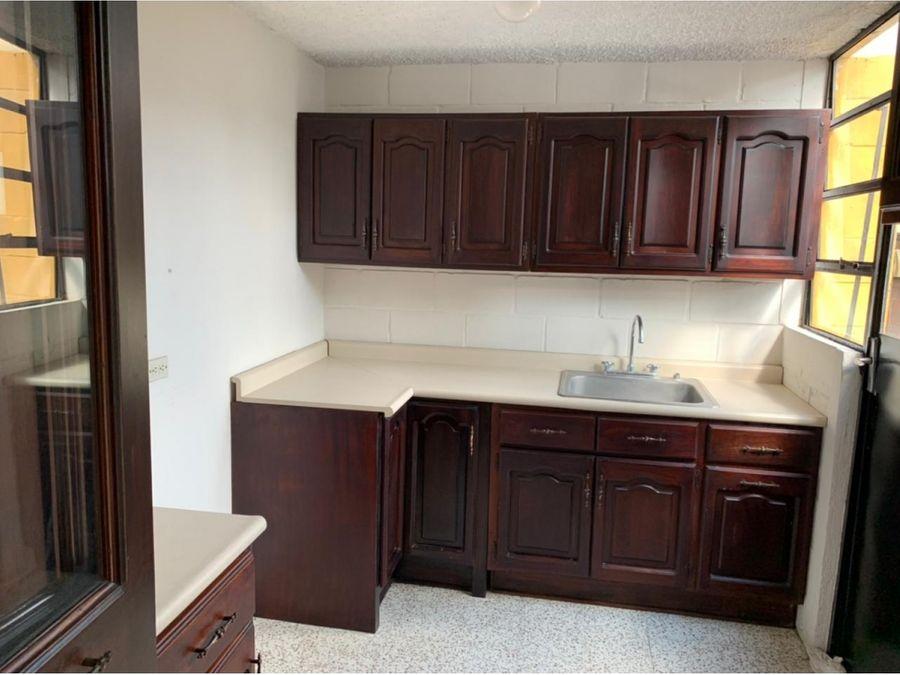 apartamento en renta en zona 1 dentro de condominio