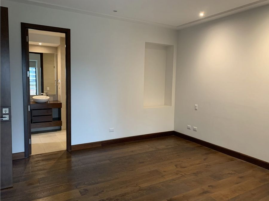 apartamento en renta edificio tiffany zona 14