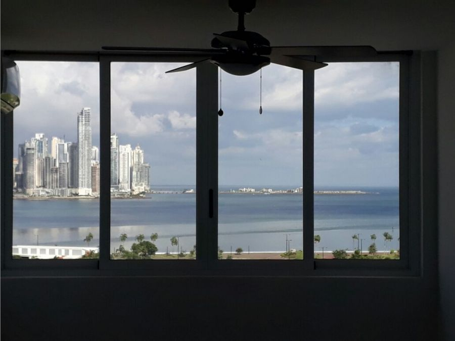 venta de apartamento 135k vista al mar ph bay view amoblado