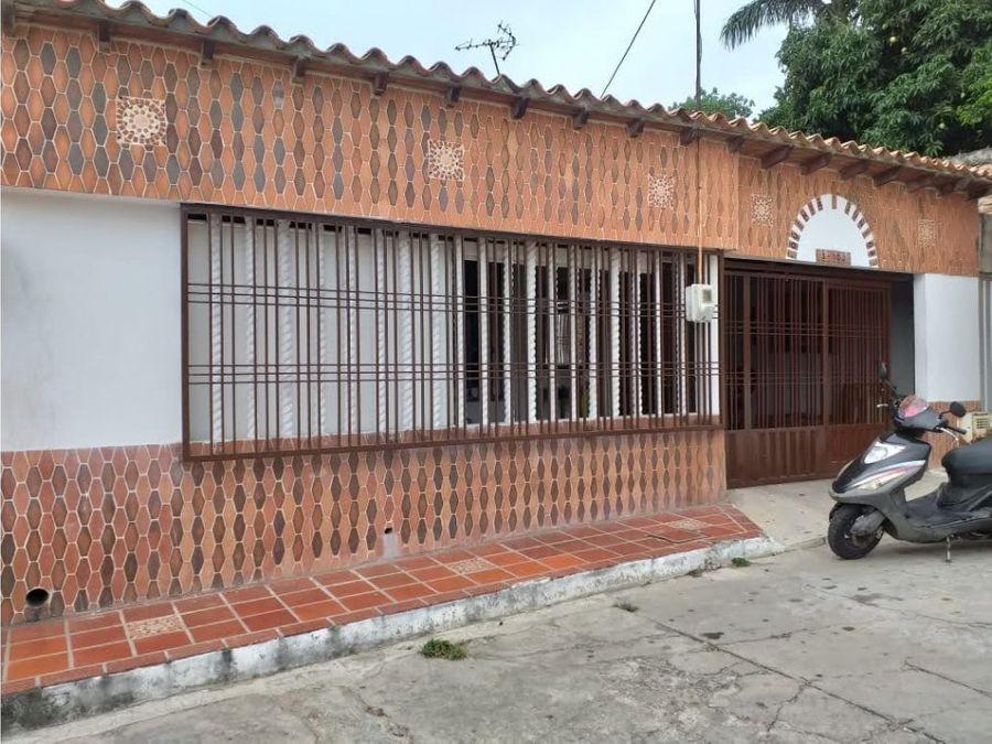 excelente casa en urbanizacion monaco