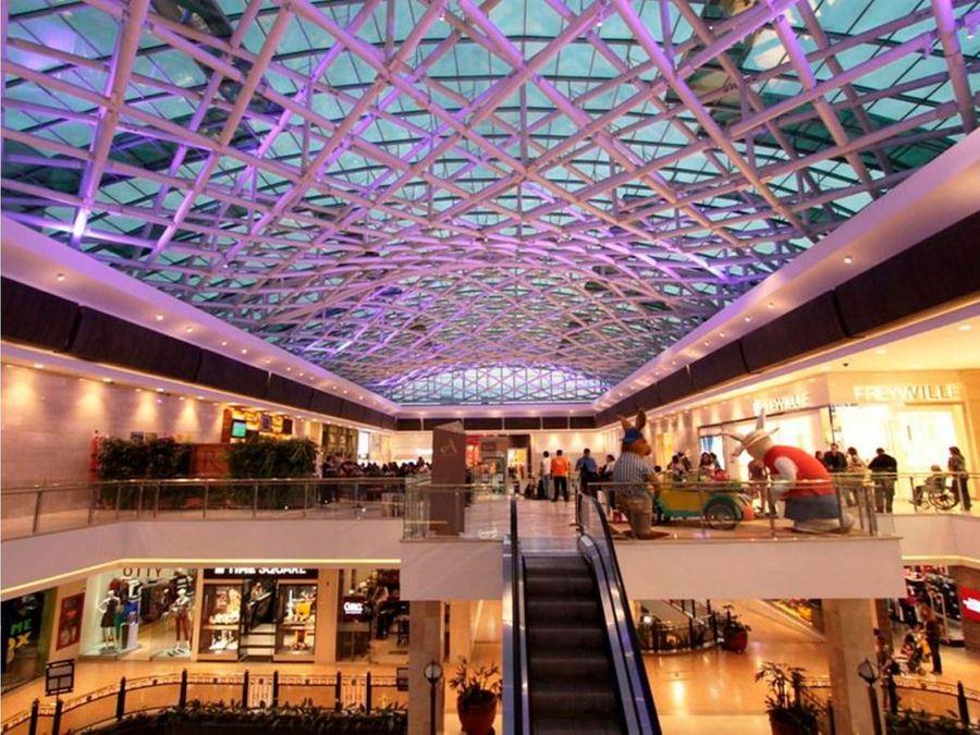 lcc 169 local en centro comercial andino