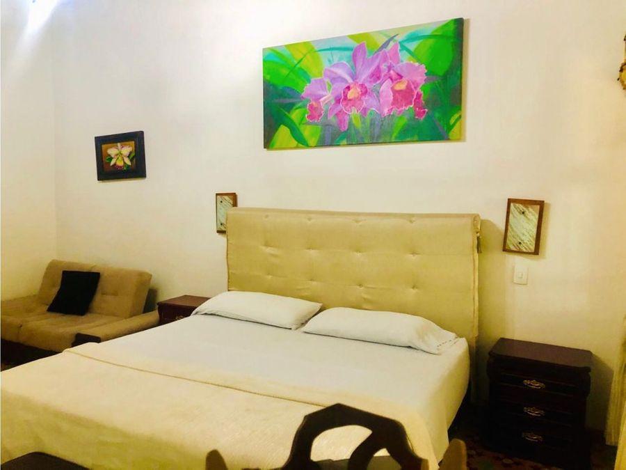 se vende hotel en centro historico santa marta