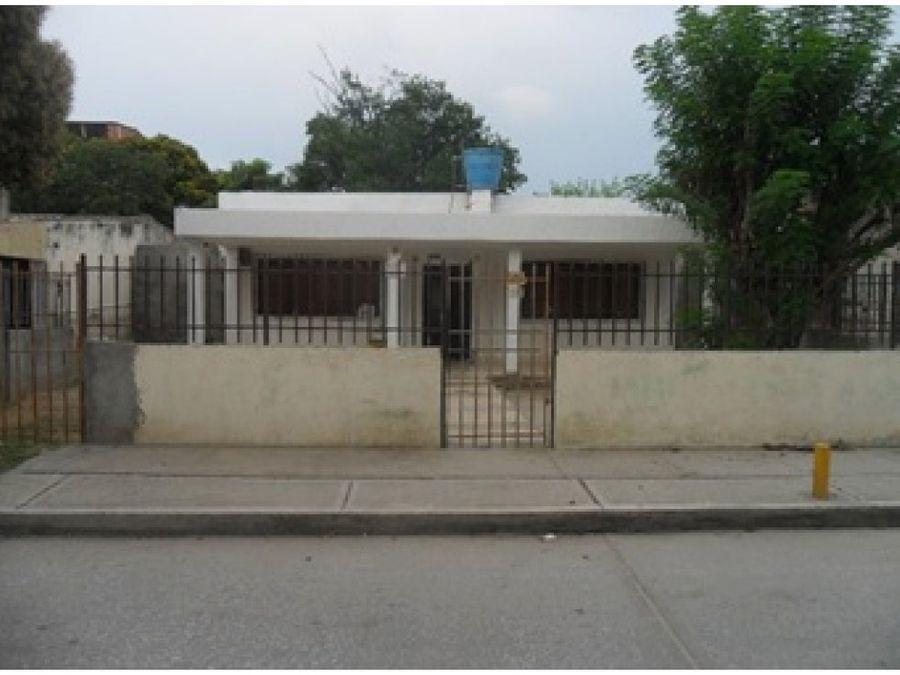 se vende casa en sector nueva galicia santa marta