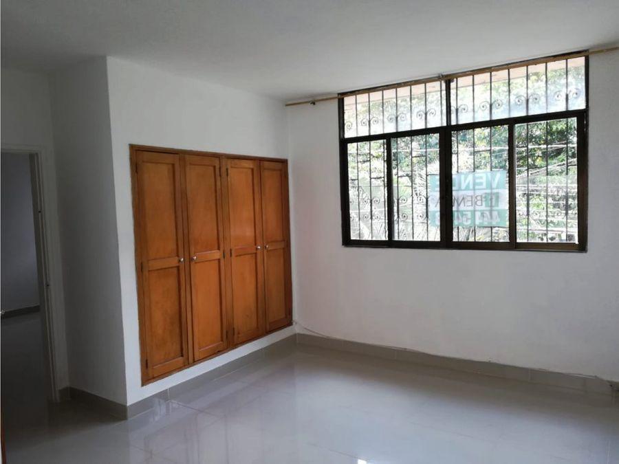 se vende apartamento en laureles