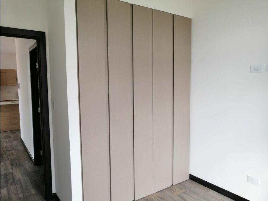 apartamento en alquiler zona 16 lirios de cayala
