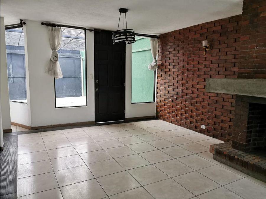 alquiler de casa en zona 14 sector la villa