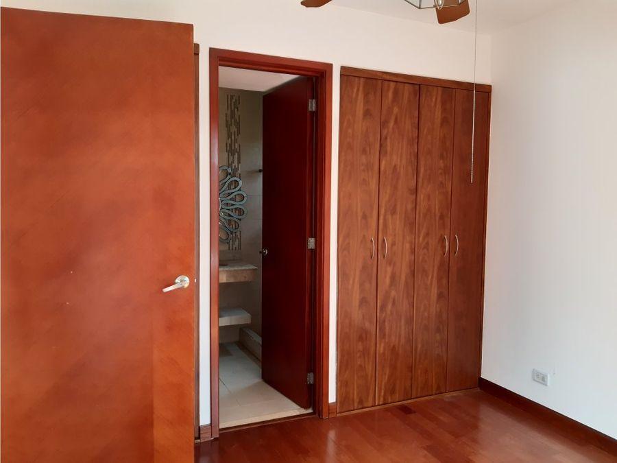 casa en renta zona 16 encinos de cayala