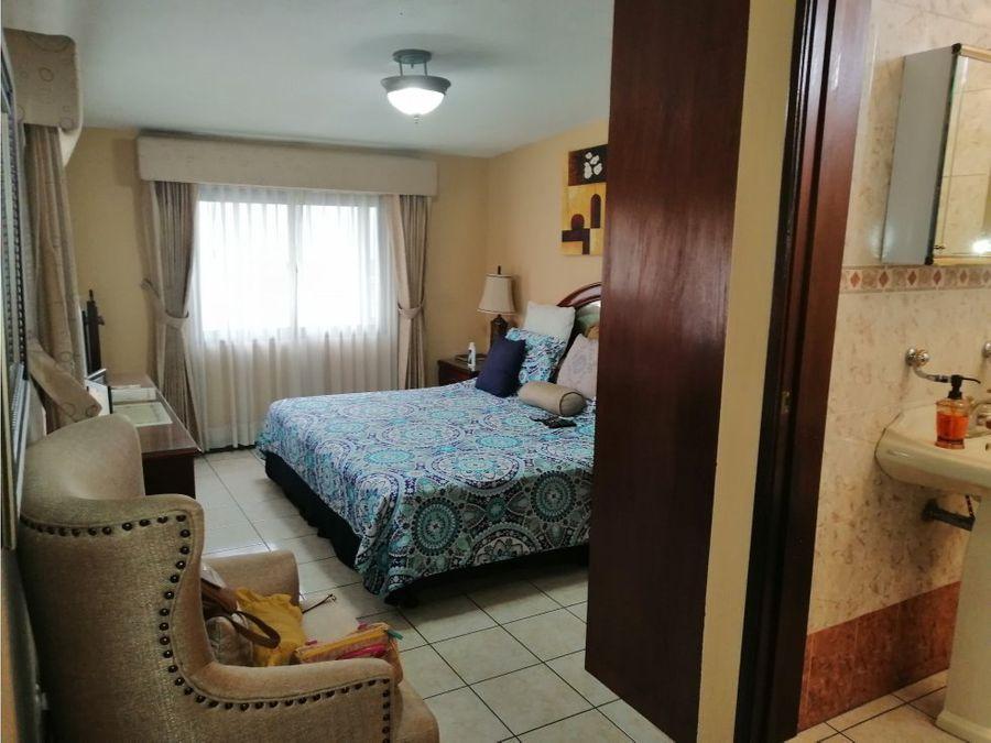 vendo casa en san jacinto zona 10 de mixco