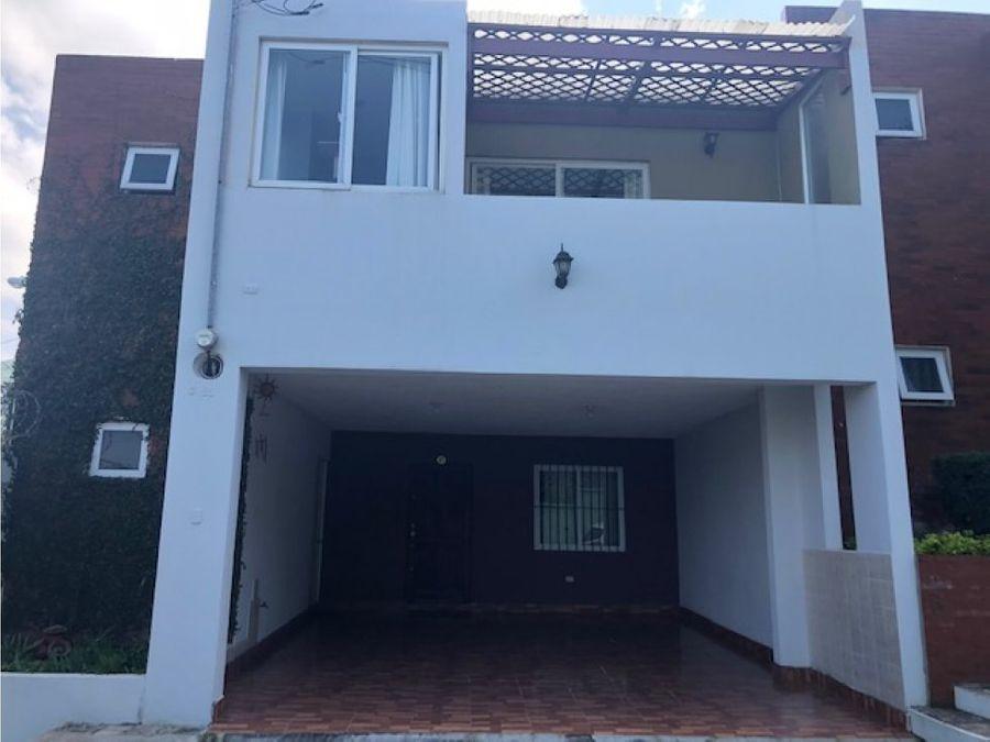 vendo casa en condominio lomas de hacienda real