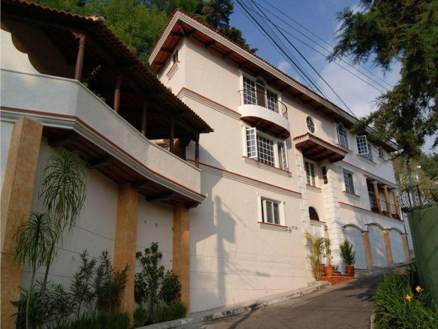 rento casa en santa rosalia con pergolas y balcones espanoles