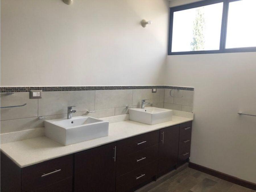 casa nueva en jardines de san isidro zona 16