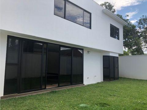 vendo casa nueva en jardines de san isidro zona 16