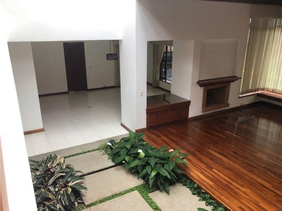 casa en renta o venta en jacarandas de cayala