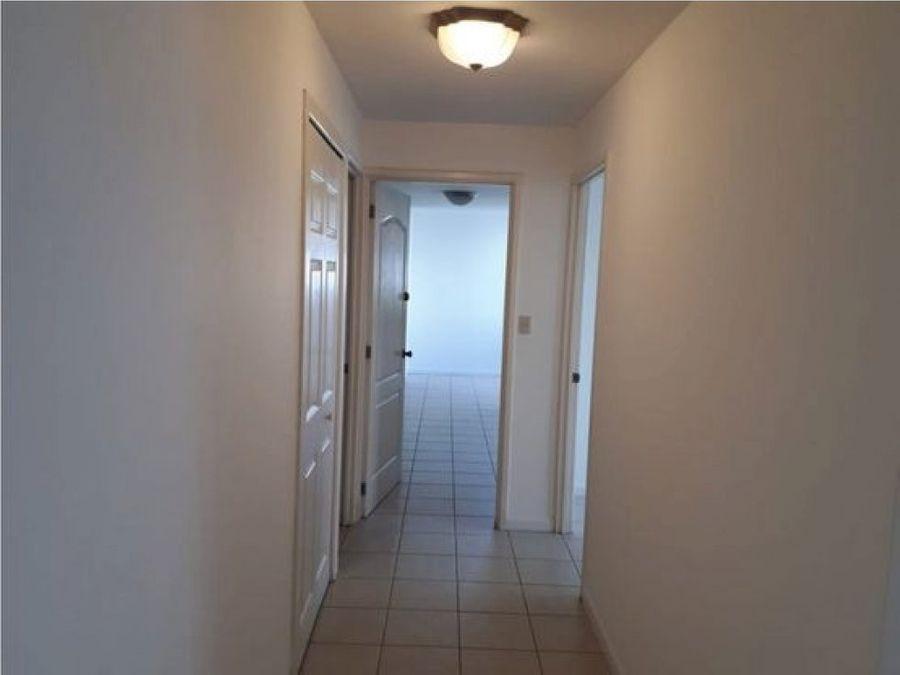 se renta apartamento en santorini americas zona 14