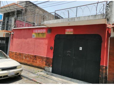 se vende casa en zona 10 a 2 cuadras del centro medico