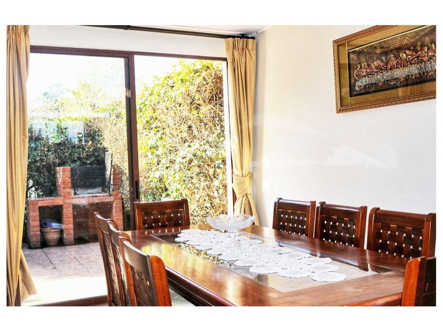 vendo casa en vitacura 5d3bmas servicio 232 m2