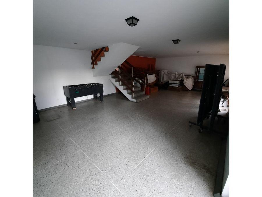 casa en venta cumbres de curumo para remodelar