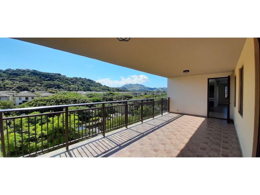 vista a las montanas apartamento en river valley panama pacifico
