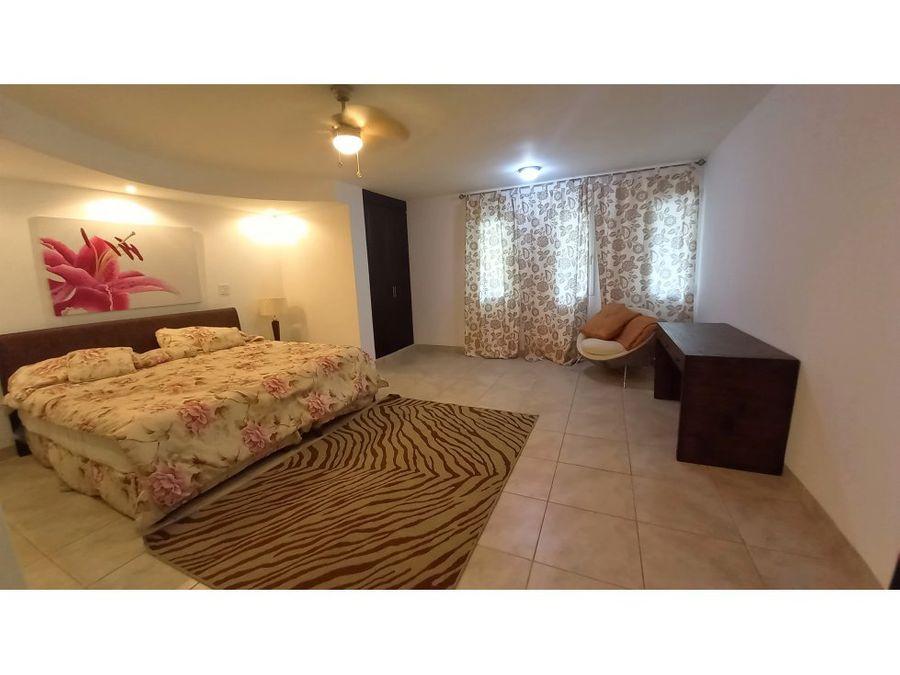 se alquila apartamento de 3 recamaras en tucan country club
