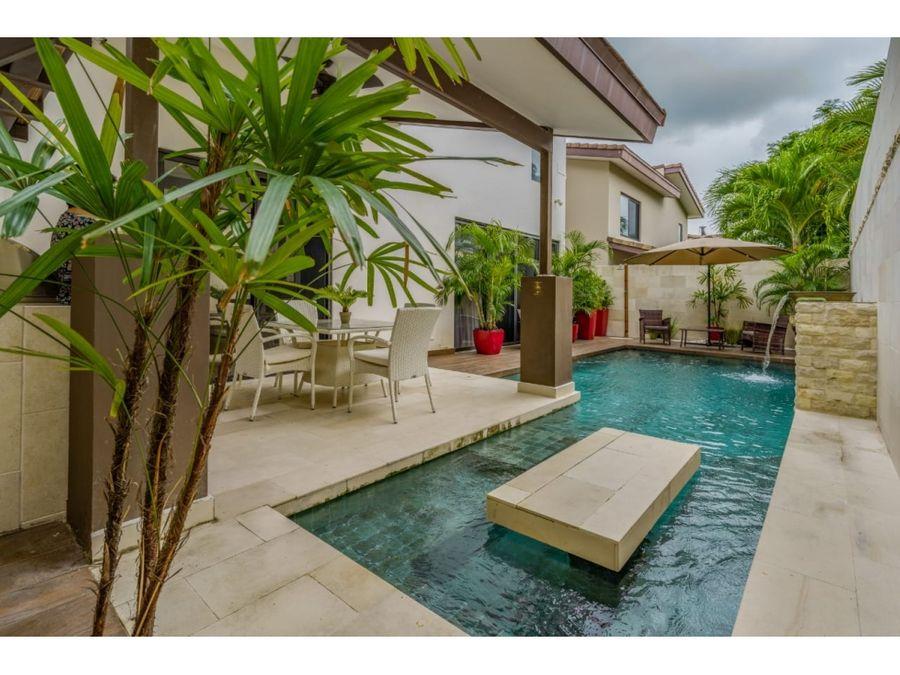 alquilo elegante casa con piscina en nativa panama pacifico