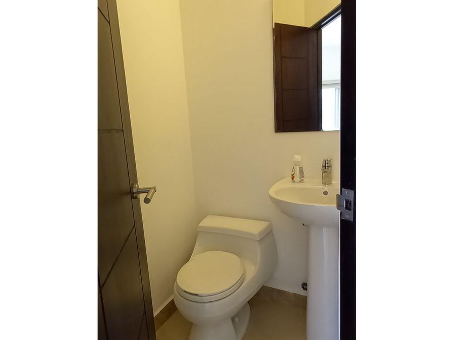 en venta amplio apartamento 1 recamara amoblado ph soleo