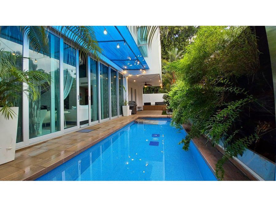 alquiler de casa con piscina en altos del golf conjunto cerrado