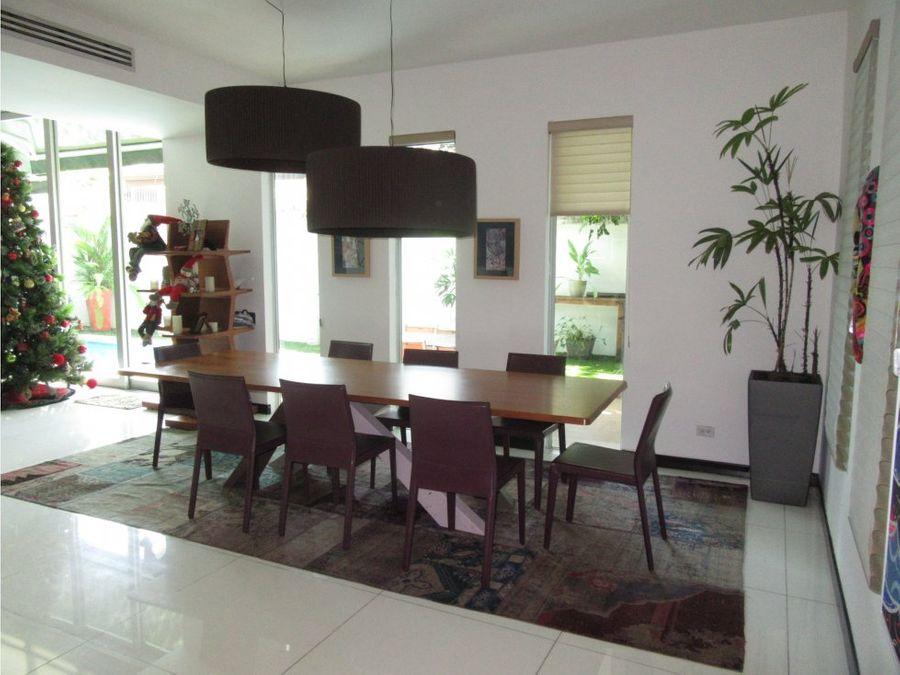 alquilo casa ph minimal house