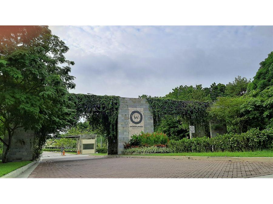 rebajada casa con amplio lote ubicada en woodlands panama pacifico