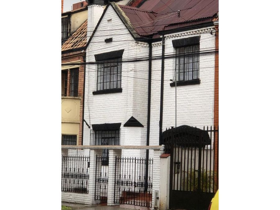 casa estilo inglesa de 2 pisos en chapinero alto