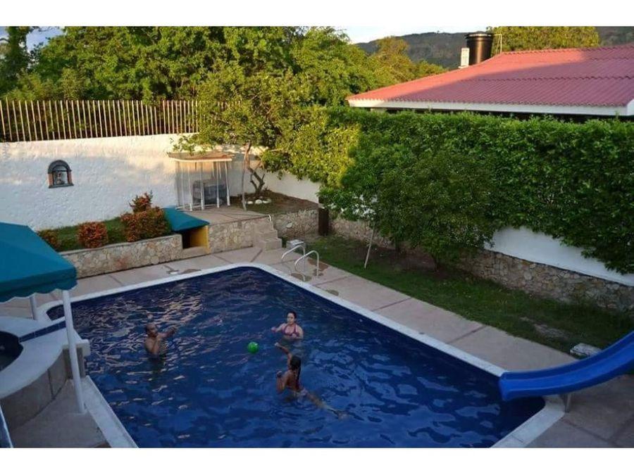 casa con piscina en la via ricaute girardot