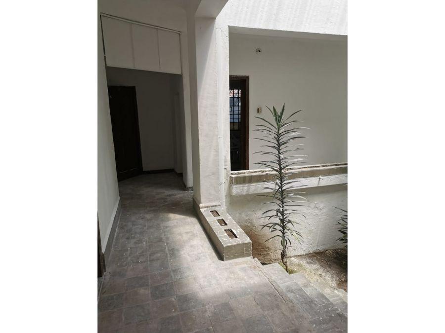 casa tipo ingles para remodelar en chapinero alto