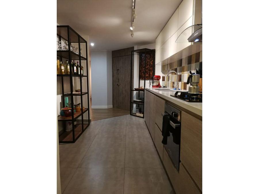 apartamento interior en los rosales emaus