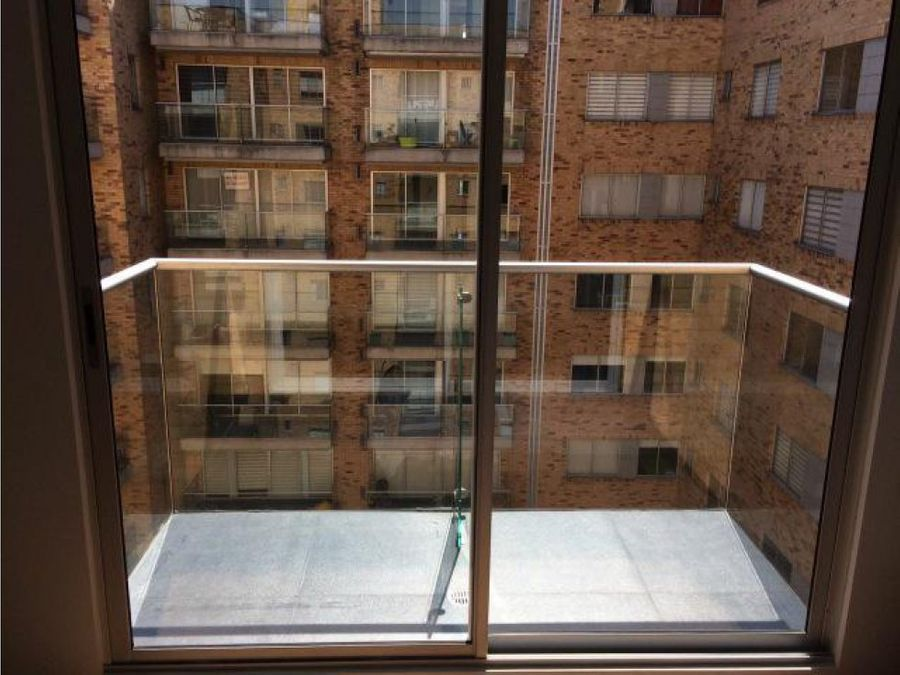 apartamento con 2 balcones y club house en san jorge