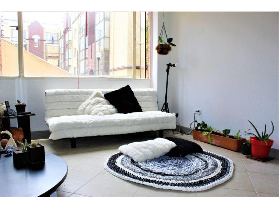 apartamento interior remodelado con mucho sol en cedritos