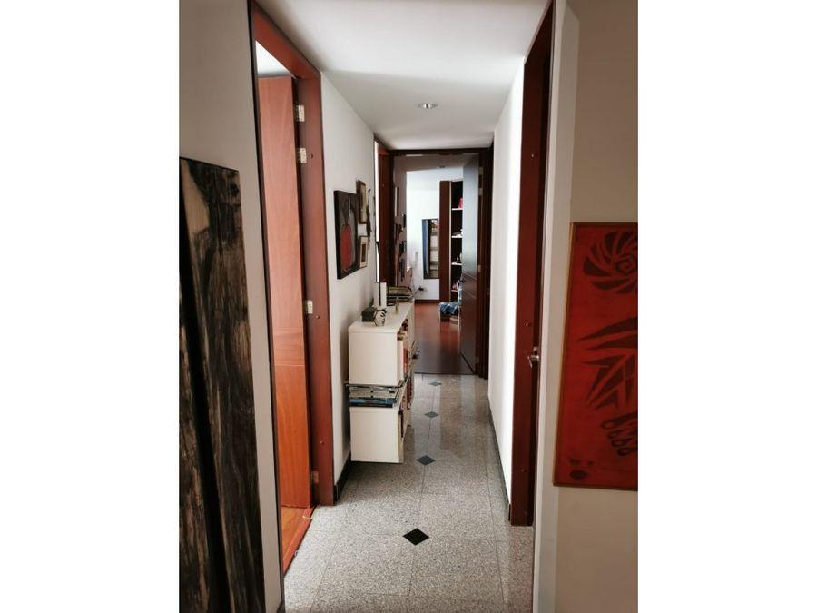 apartamento interior con balcon en san patricio