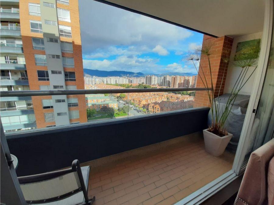 apartamento exterior con balcon en colina campestre