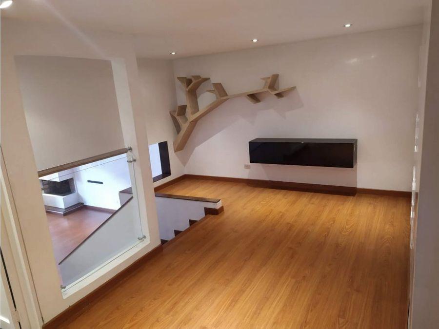 apartamento interior tipo duplex en santa barbara central
