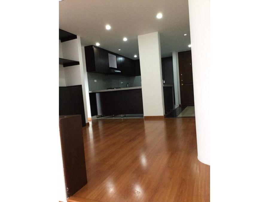 apartamento con balcon en santa barbara central