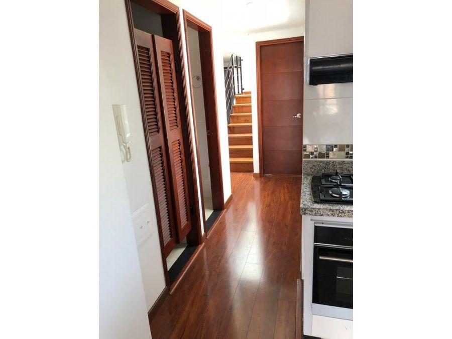 apartamento duplex exterior con terraza en el batan