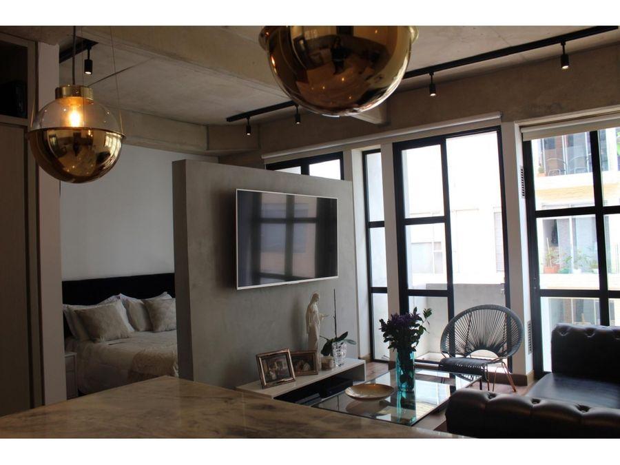 apartaestudio interior con balcon en el virrey