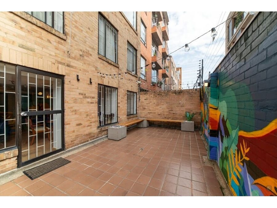 apartamento duplex con una terraza de 24m2 en pasadena