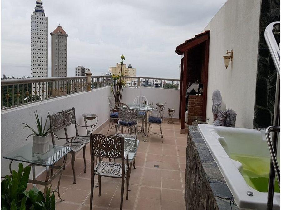 amplio y comodo penthouse en la avenida enriquillo