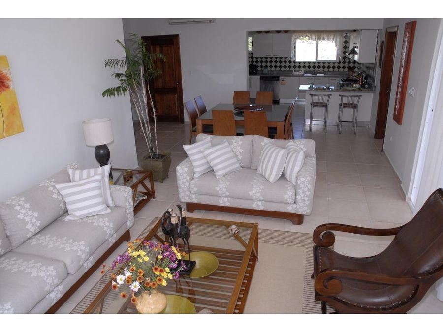 apartamento amueblado con playa y campo de golf
