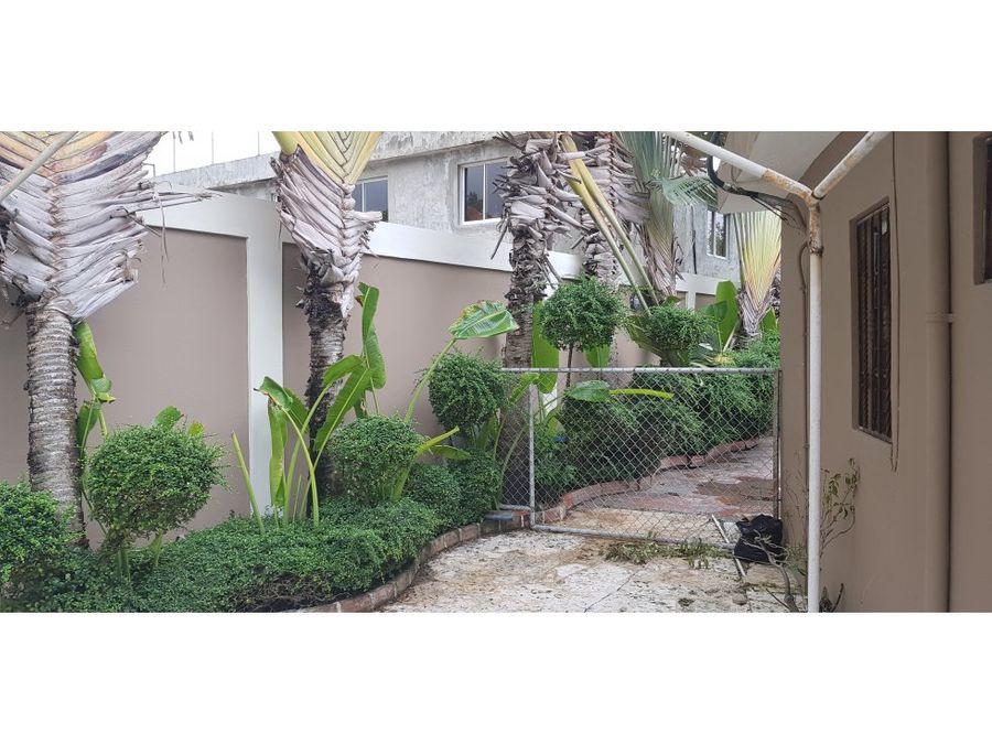 casa en pantoja con hermoso patio y jardin