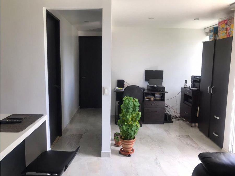 se vende apartamento en medellin barrio calazanz