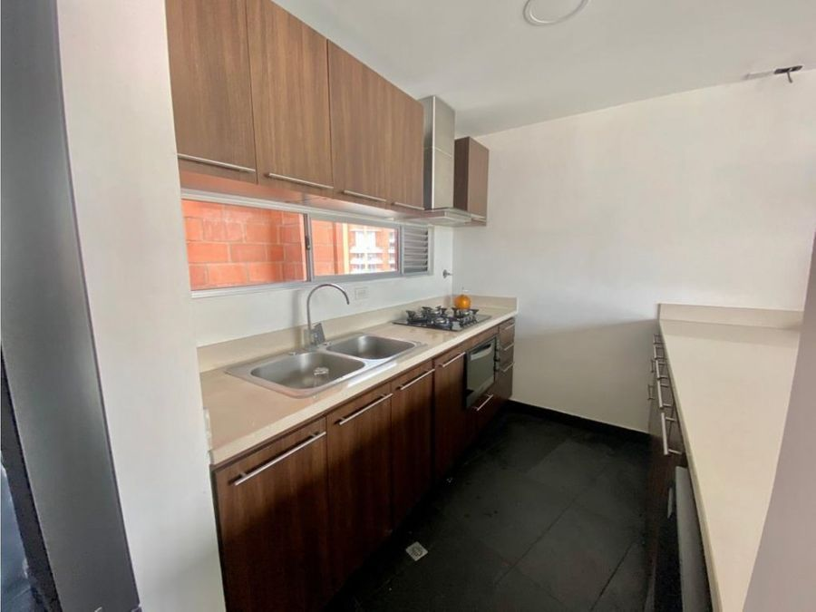 apartamento en venta sector laureles 131m2