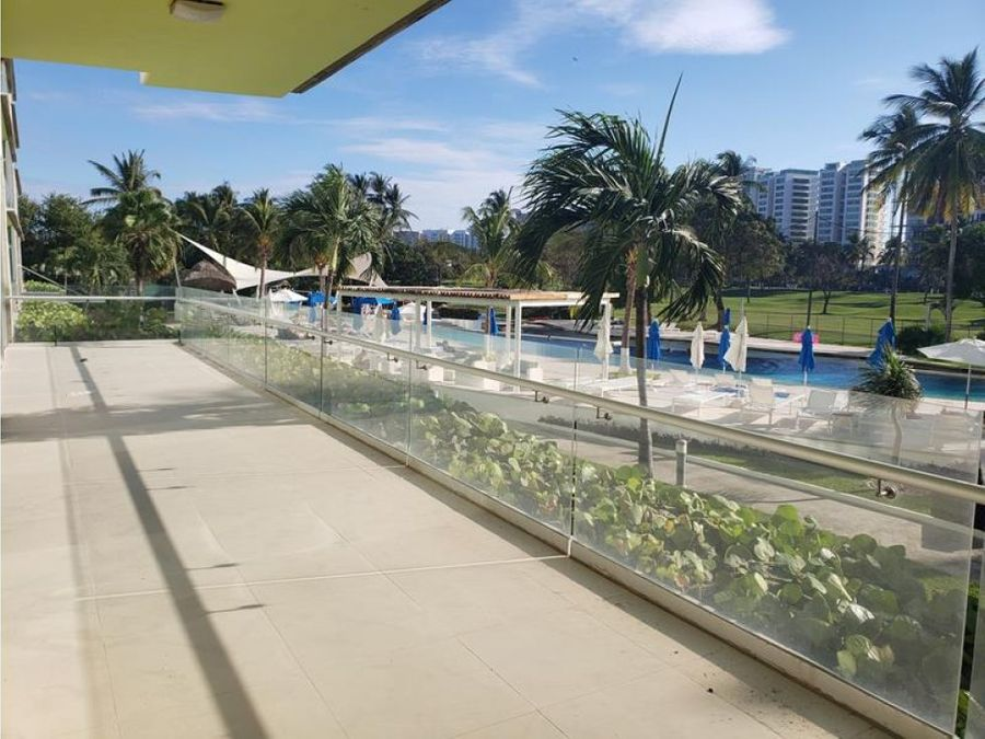 venta condo laguna en medio del golf playa diamante