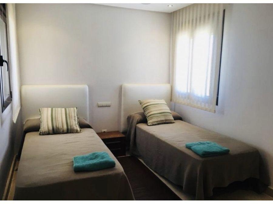 manilva atico duplex 2 dormitorios 2 banos en suite